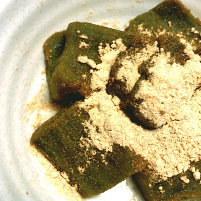 ユーグレナの緑汁でわらび餅!わらび餅粉での作り方と片栗粉でも簡単に作れる!