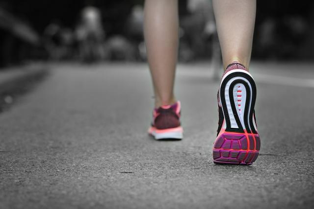 マインドフルネス「歩く瞑想」をやってみた!やり方と効果、感想は?